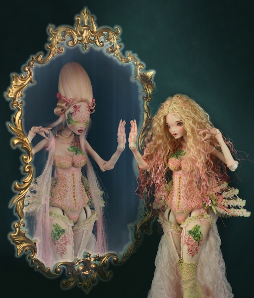 Briar Rose embodies the duality of Nuri's creations, showcasing both heads/faces.