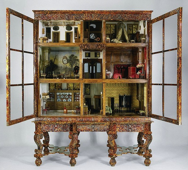 Actual dollhouse of Petronella