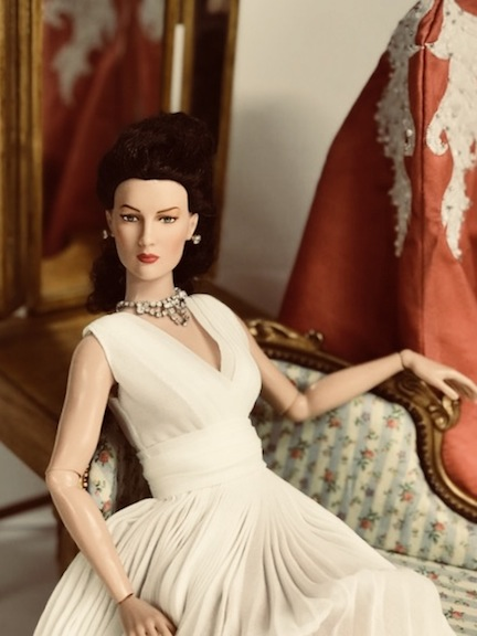 Scarlett as Mary Astor