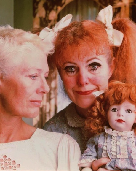 """Vanessa Redgrave and Lynn Redgrave in """"What Ever Happened to Baby Jane?"""""""