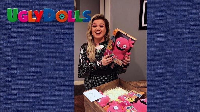 Kelly Clarkson unboxes Moxy dolls